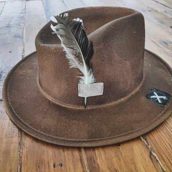 sombrero box17 con pluma